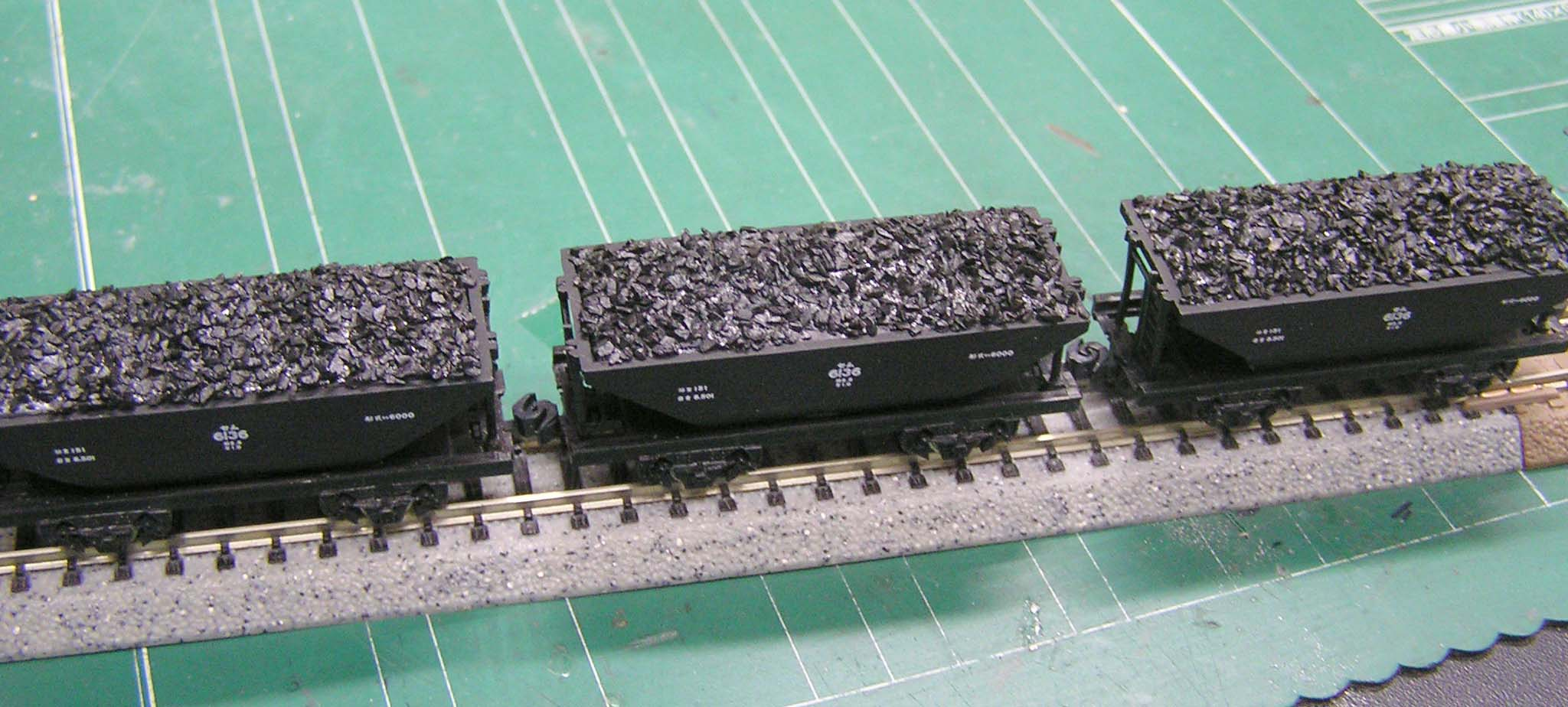 貨車の積み荷_e0137686_9583849.jpg