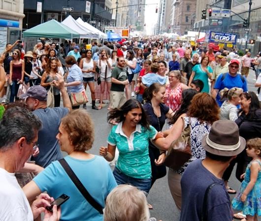 NYのストリート・フェアで世界の音楽を楽しもう Taste of Jewish Culture_b0007805_23334765.jpg