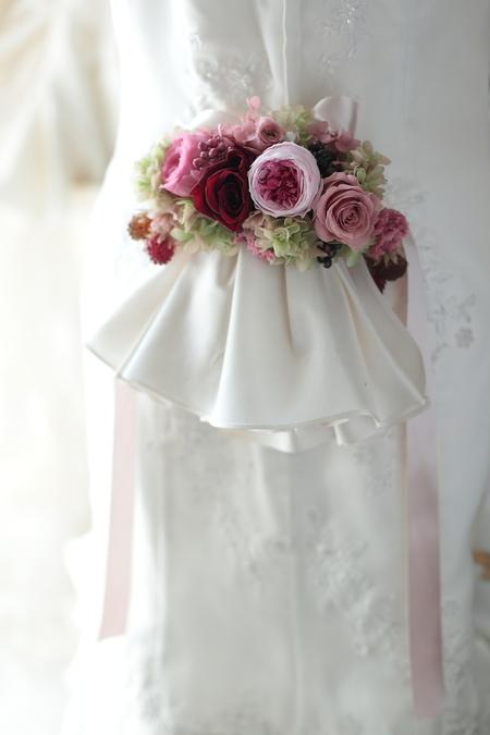 ドレスの後ろにつける花、バックコサージュ 椿山荘東京様へ_a0042928_22104069.jpg