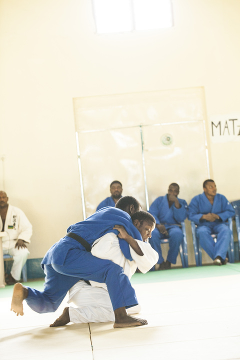 Japan\'s Prince and Princess Akishino visit to Zanzibar Judo 2~秋篠宮ご夫妻ザンジバル武道館ご訪問2_a0088841_14473147.jpg