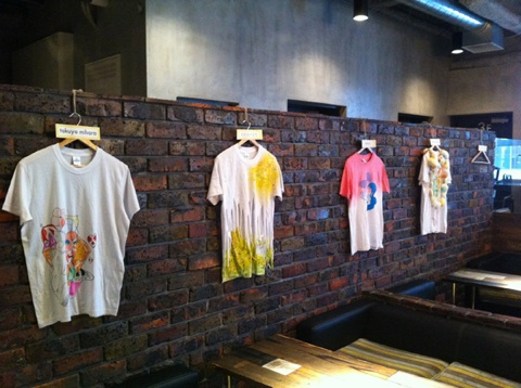 Tシャツ展示_a0136846_1192964.jpg