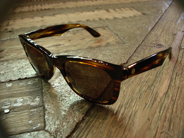 "NEW : ELECTRIC [SUNGLASSES] ""Made in ITALY\"" !!_a0132147_23533759.jpg"