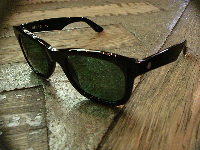 "NEW : ELECTRIC [SUNGLASSES] ""Made in ITALY\"" !!_a0132147_23535433.jpg"