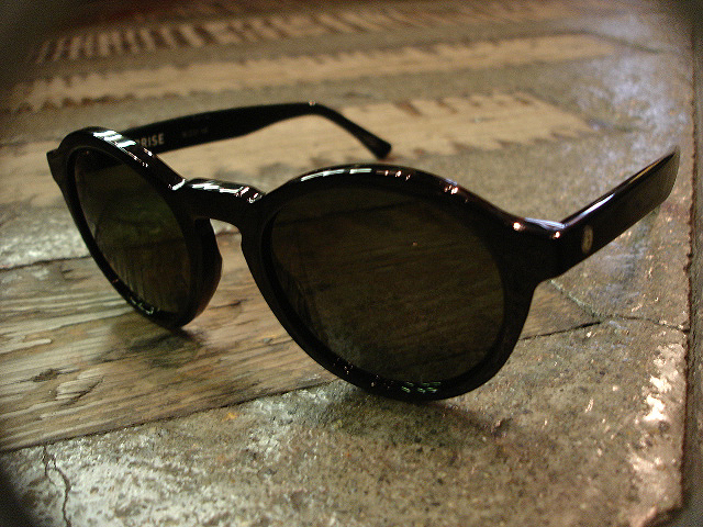 "NEW : ELECTRIC [SUNGLASSES] ""Made in ITALY\"" !!_a0132147_23554827.jpg"