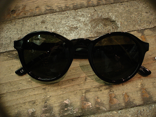 "NEW : ELECTRIC [SUNGLASSES] ""Made in ITALY\"" !!_a0132147_23563785.jpg"