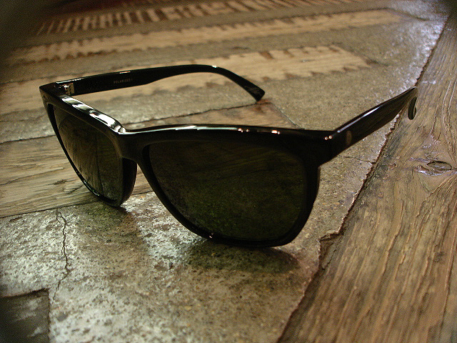 "NEW : ELECTRIC [SUNGLASSES] ""Made in ITALY\"" !!_a0132147_23593886.jpg"