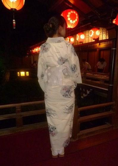 上七軒ビアガーデン・マサヨさんのお友達の浴衣姿。_f0181251_174688.jpg