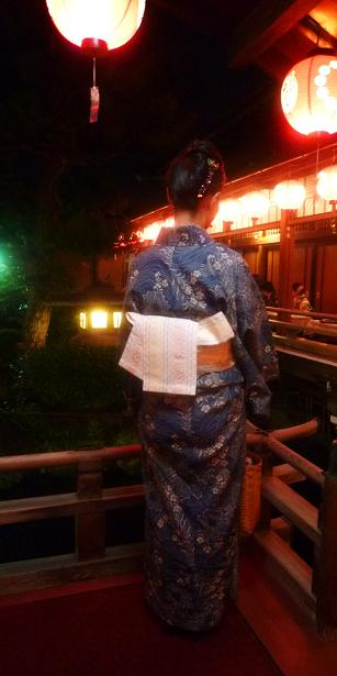 上七軒ビアガーデン・マサヨさんのお友達の浴衣姿。_f0181251_1756875.jpg