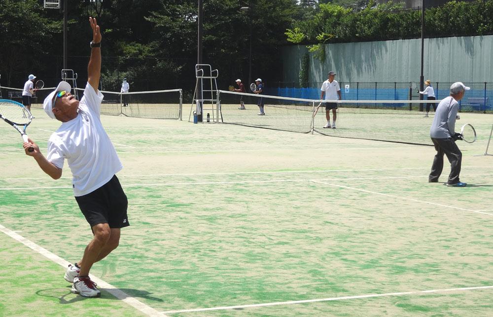 テニスのあとのビールは最高!_b0114798_16451246.jpg