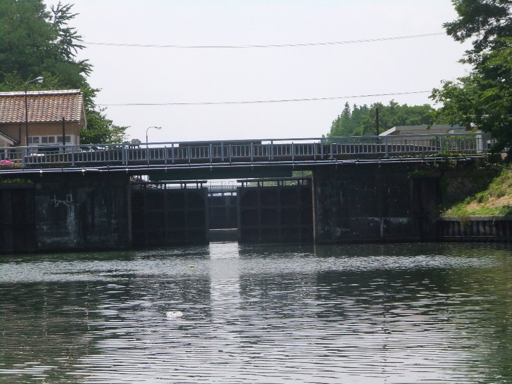 富山の運河を楽しむ_e0087201_00330498.jpg