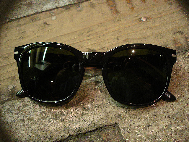 "NEW : ELECTRIC [SUNGLASSES] ""Made in ITALY\"" !!_a0132147_012754.jpg"