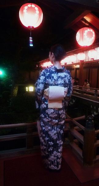 上七軒・マサヨさんの浴衣姿・営業時間のお知らせ。_f0181251_190241.jpg