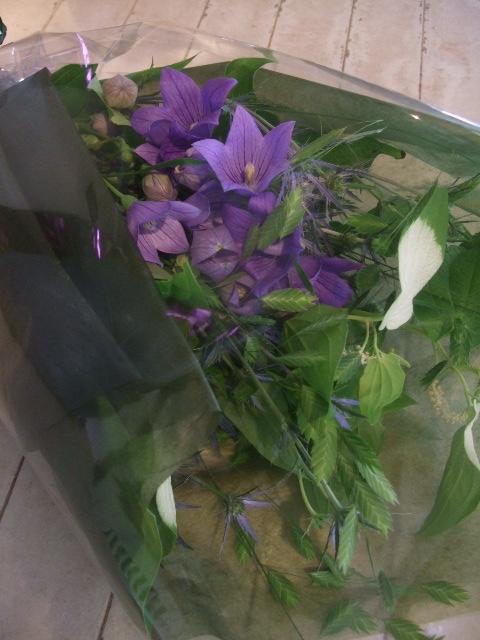 オークリーフ花の教室(出口さんと落合さんの作品)_f0049672_15134882.jpg