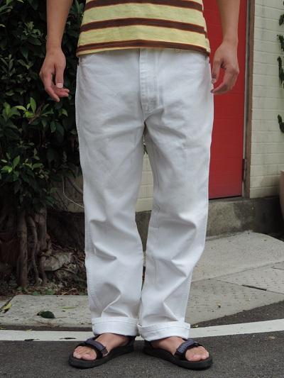 WHITE JEANS ~Wrangler~_c0146178_1201688.jpg