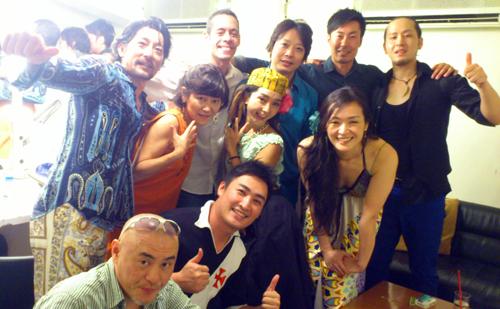 Motion Blue Yokohama、Sayaka LIVE終了直後の楽屋にて♬_b0032617_12582415.jpg