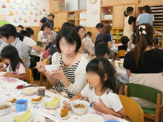 きりん組 保育参観と給食懇談会_e0148419_10301393.jpg
