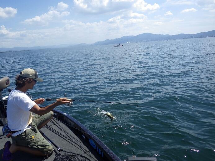 琵琶湖でルアーテスト_b0198668_0331296.jpg