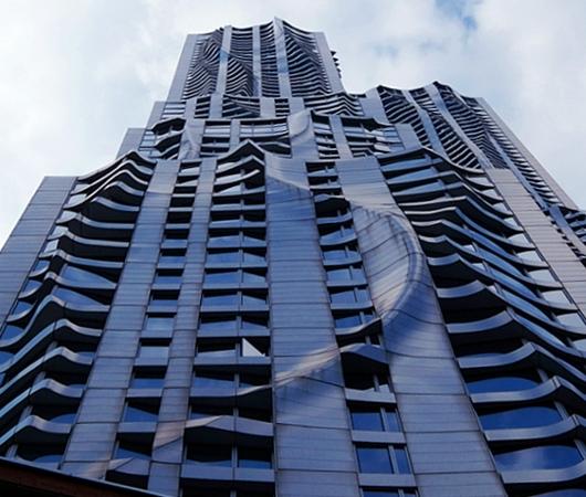 その名も「ゲーリーによるニューヨーク」(New York by Gehry)!? 巨匠建築家Frank Gehry氏の最新傑作建築_b0007805_21224100.jpg