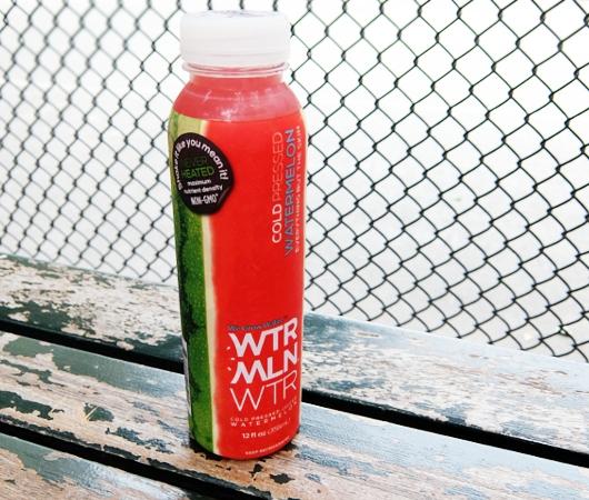 NYの街角に登場したスイカ・ウォーター飲料のとても小さな直販店_b0007805_8211777.jpg