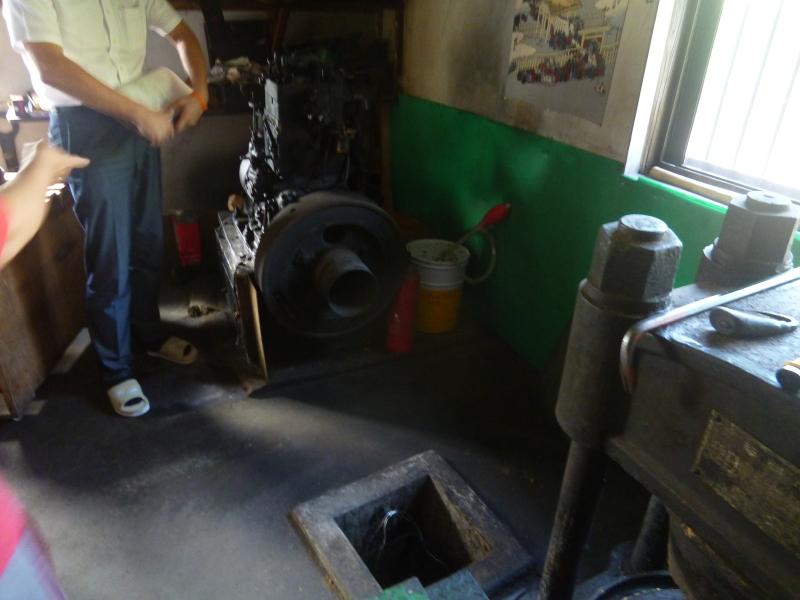椿油の製造過程を見て。_c0326333_23354290.jpg