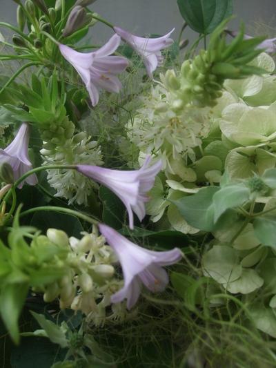 オークリーフ(秋色紫陽花と季節の花のアレンジメント)_f0049672_15263467.jpg