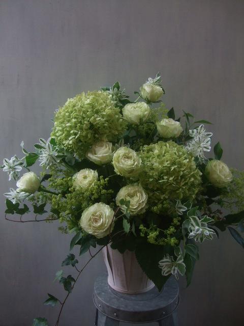 オークリーフ(秋色紫陽花と季節の花のアレンジメント)_f0049672_1528504.jpg