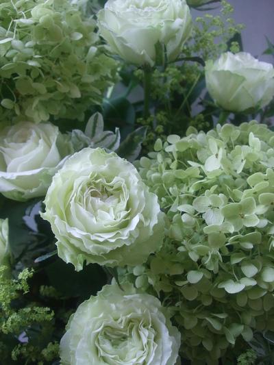 オークリーフ(秋色紫陽花と季節の花のアレンジメント)_f0049672_15285220.jpg