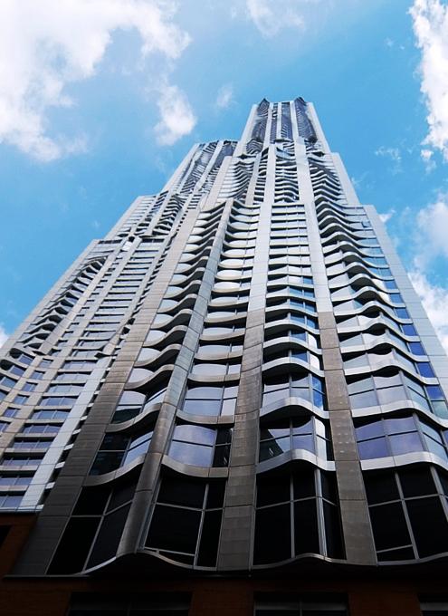 その名も「ゲーリーによるニューヨーク」(New York by Gehry)!? 巨匠建築家Frank Gehry氏の最新傑作建築_b0007805_123878.jpg