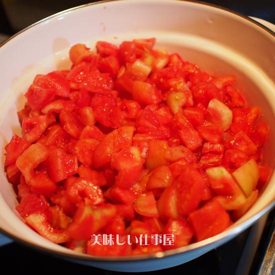 トマトソースを作ります。。。。_e0065906_16361389.jpg