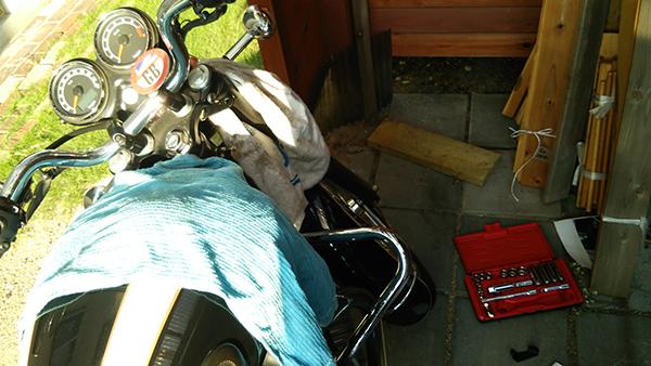 バイクにスクリーンを取り付けてみた_e0173183_2194410.jpg
