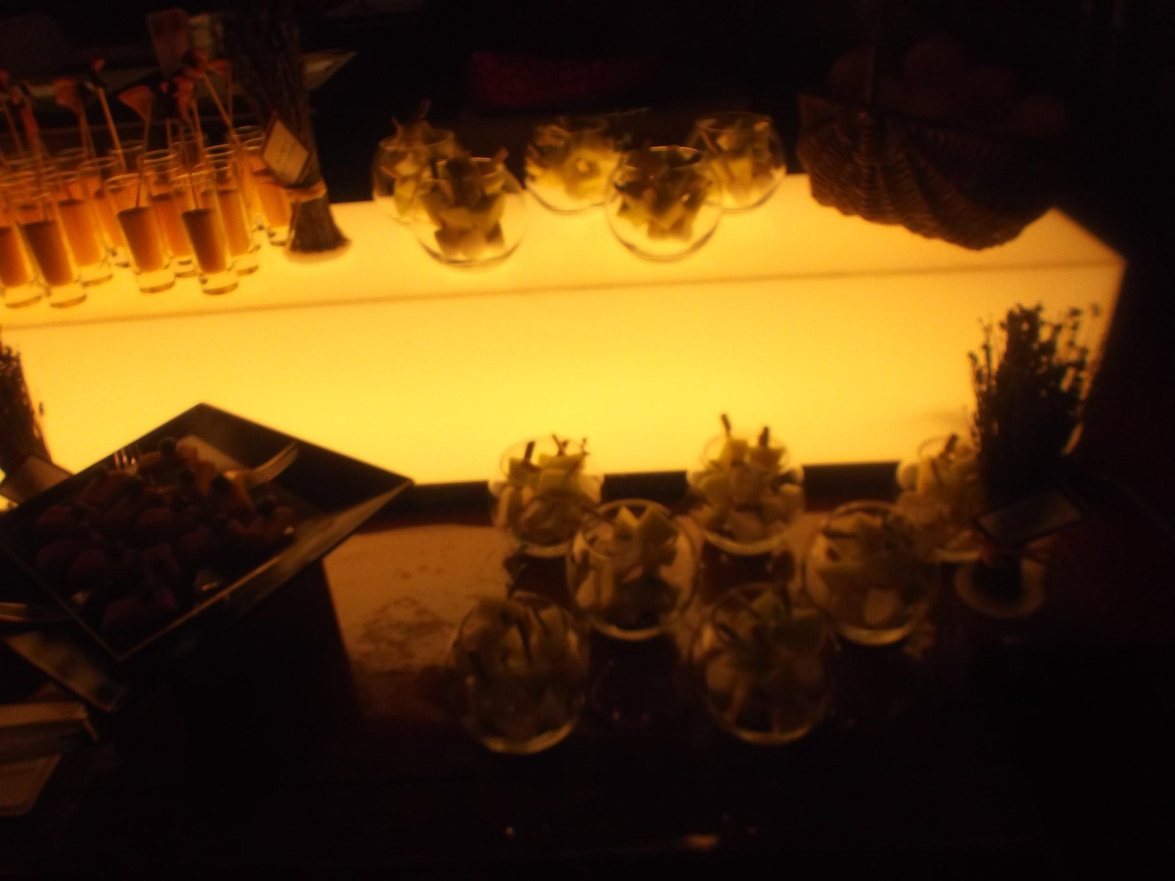 ヒルトン東京 マーブルラウンジ 夏のストーン・フルーツデザートフェア_f0076001_2257019.jpg