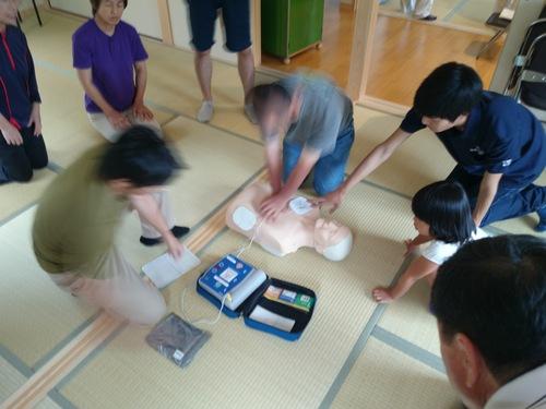 【防災・減災事業部】応急救命講習を学生ボランティアが実施する_c0010936_12275136.jpg