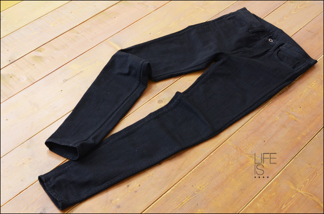 LIFE IS...[ライフイズ] SKINNY FLAT BLACK 12.5oz DENIM PANTS [PA-345] スキニーフラット ブラックデニム_f0051306_17114676.jpg