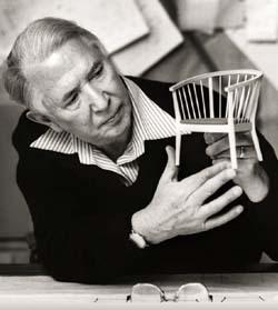 Hans J. Wegner 生誕100周年 Yチェア入荷しました_b0211845_1739246.jpg