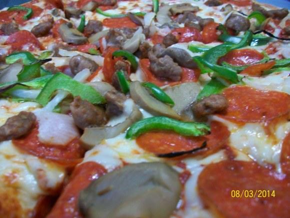 久々~にピザを食べた~♪_a0315750_10050627.jpg