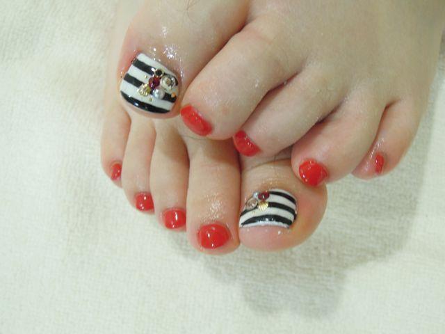 Red Foot Nail_a0239065_14501372.jpg