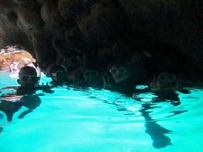 台風前に青の洞窟へ!!_a0156273_16291676.jpg