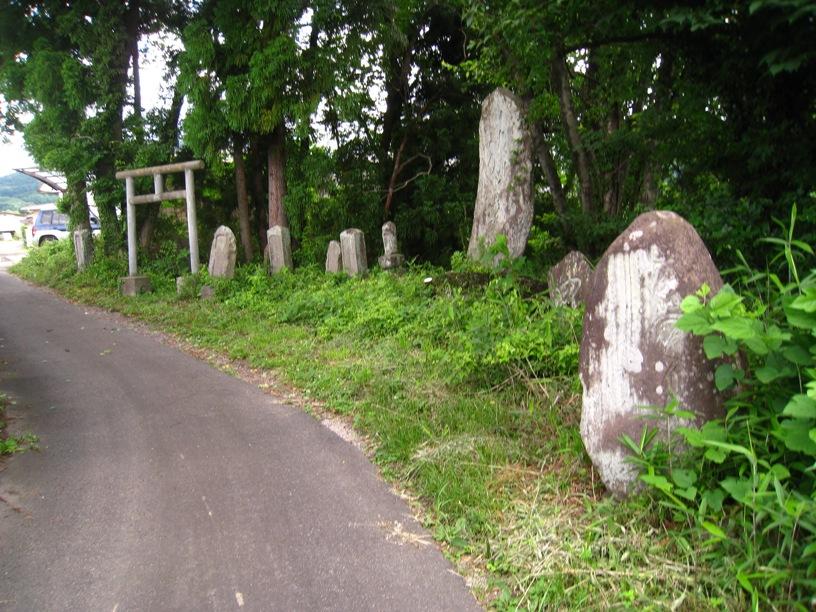 のりしろ散歩~吾妻連峰へのアプローチ口としての庭坂駅⑬_a0087378_1221923.jpg
