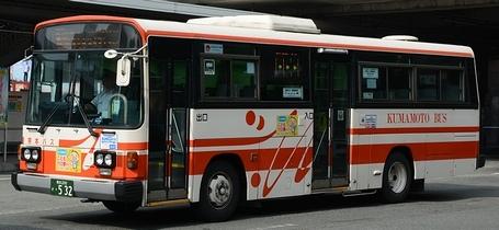熊本バスの富士重工架装車_e0030537_0302211.jpg