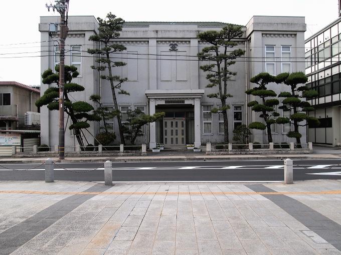 旧笠岡町役場(笠岡市議事堂)_f0116479_048138.jpg