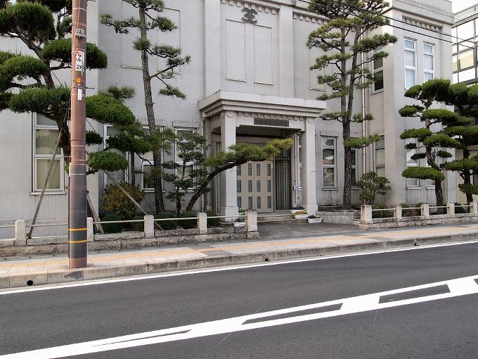 旧笠岡町役場(笠岡市議事堂)_f0116479_0495314.jpg