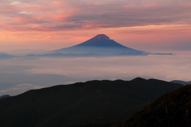 国師ヶ岳の朝焼け : 富士山大好...