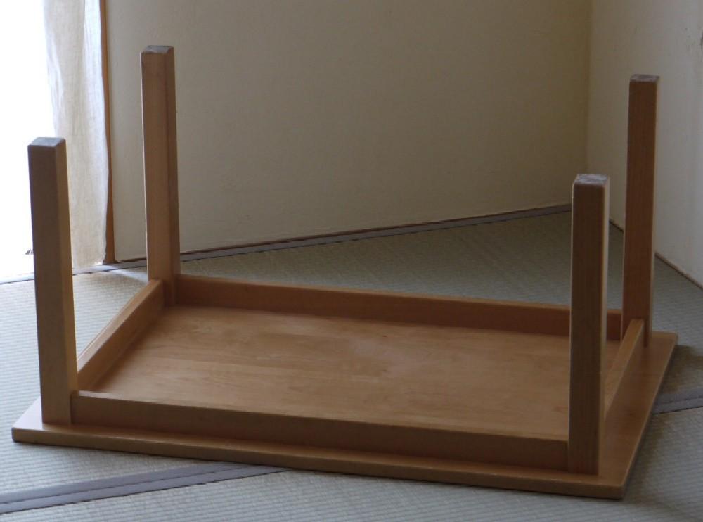 保育園のテーブル、天板塗り直し_c0138410_20201533.jpg