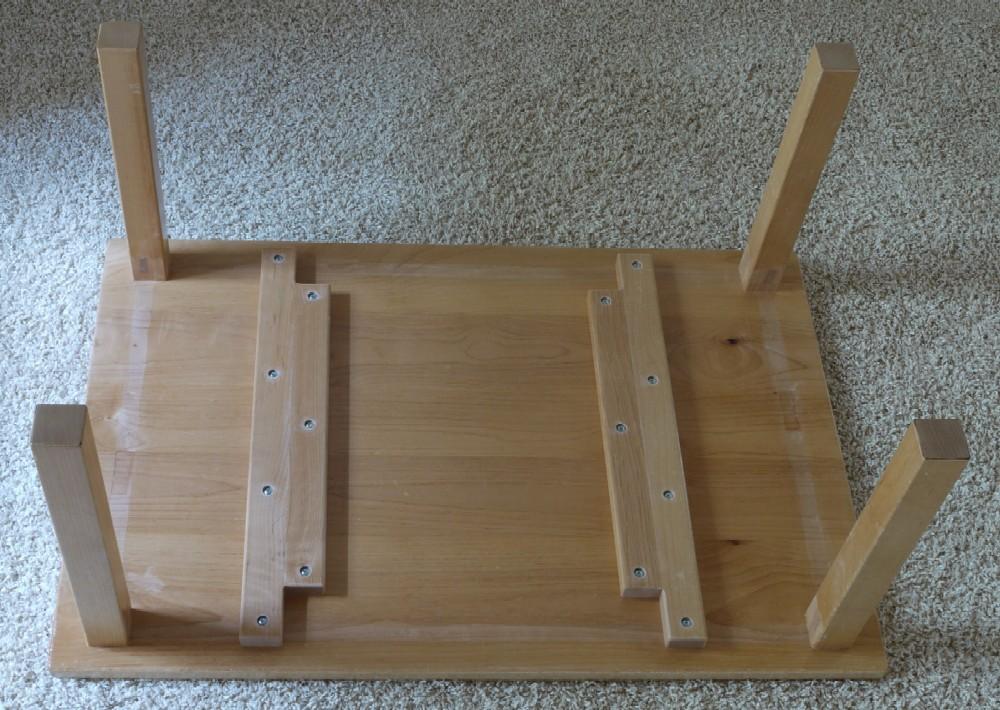 保育園のテーブル、天板塗り直し_c0138410_20204914.jpg