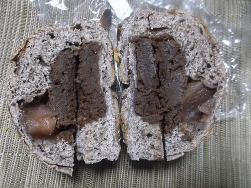 ブランジェリーケン 赤ワインとビターチョコチーズケーキ・赤ワイン煮の林檎_f0076001_0152836.jpg