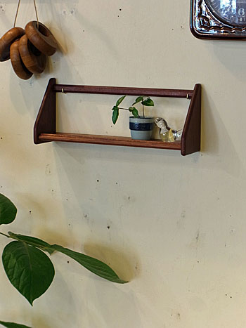 teak wall shelf_c0139773_18132810.jpg
