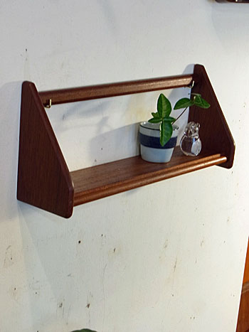 teak wall shelf_c0139773_18134751.jpg