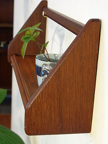 teak wall shelf_c0139773_1814650.jpg