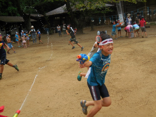サマーキャンプ2014<水鉄砲編>_e0131910_22003062.jpg