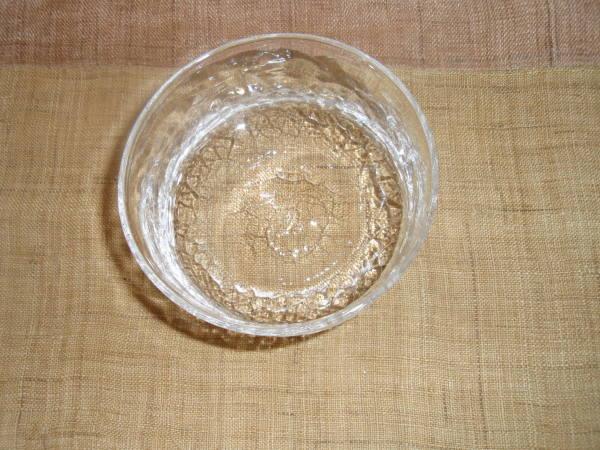 ガラスの鉢と小皿とワイングラス_b0132442_16385645.jpg